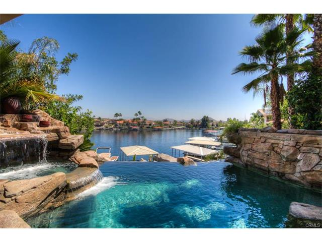 Canyon Lake Waterfront Pool Home